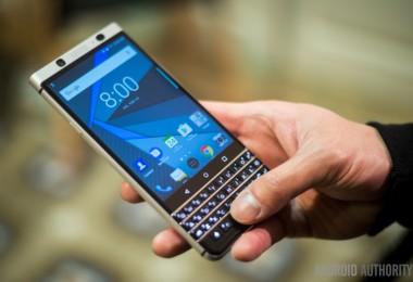 BlackBerry-KEYone-17-840x561